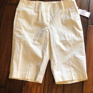White walking short